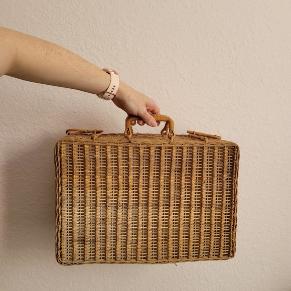 Wicker Picnic Suitcase Basket